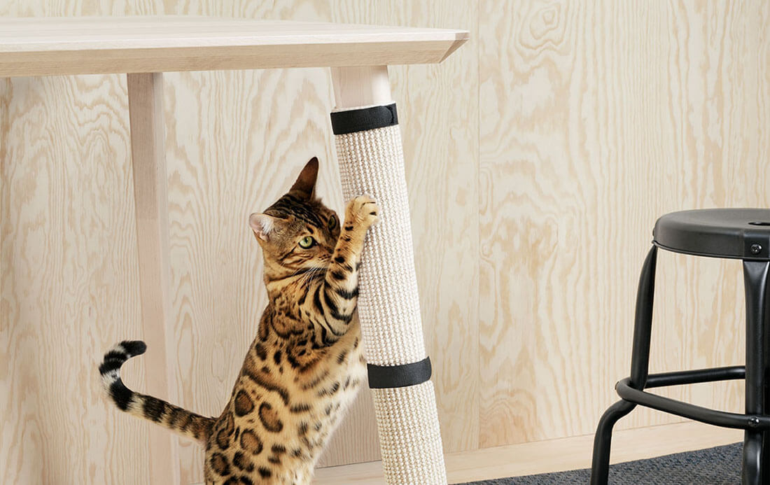 La nuova collezione Lurvig IKEA per cani e gatti, tappetino tiragraffi