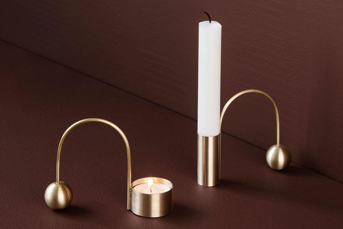 Portacandele per San Valentino in ottone Balance design di Ferm Living