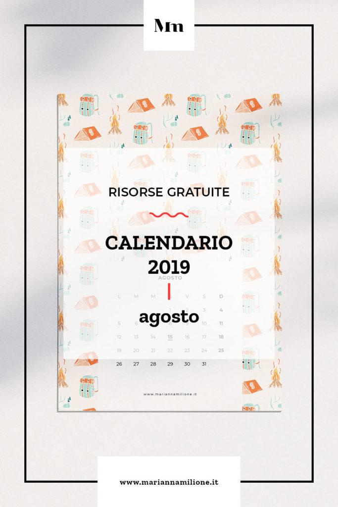 Calendario mensile per agosto 2019 con pattern disponibile per la stampa, computer e telefono. Risorse gratuite di Marianna Milione