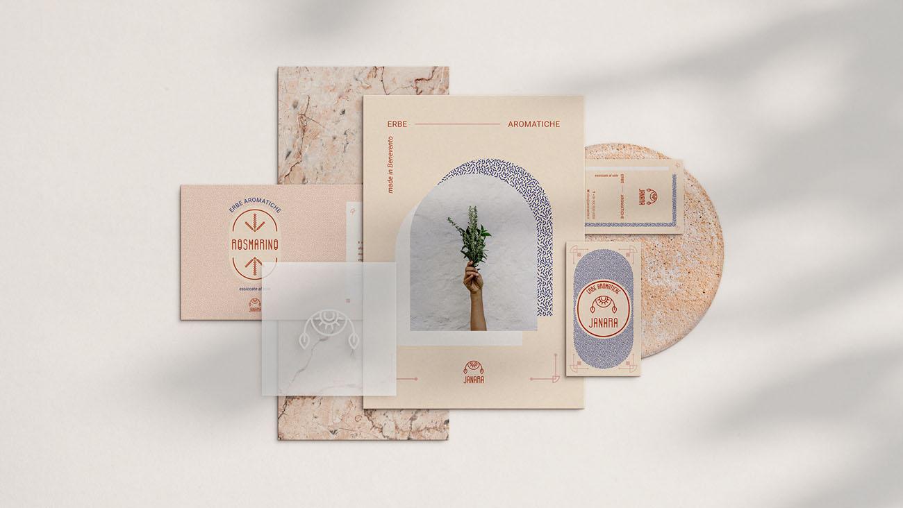 Grafica su carta (cartolina, biglietto da visita, etichetta) realizzata per l'identità grafica di Janara. Progetto realizzato da Marianna Milione.